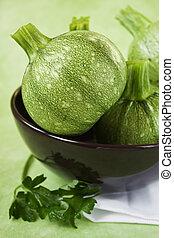 grön, zucchini