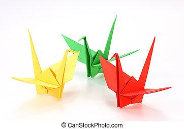 grúas, origami, fondo blanco, colorido