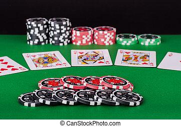 grün, kasino, tisch, mit, royal flush, rotes , und, schwarz, späne