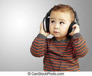 gr, över, uppe, se, musik lyssna, stående, stilig, unge