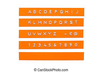 graba relieve, alfabeto, en, naranja, plástico, cinta, aislado, blanco