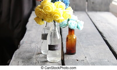 Gracias tag and nice flowers in the bottles - Gracias label...