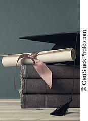 graduación, birrete, grado, rúbrica, y, libros, -, descolorido, tonos