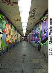 Graffiti urban tunnel