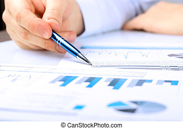 grafiek, close-up, analyzing, kantoor, zakenman