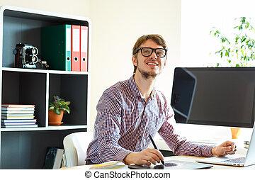 grafisch, kantoor, tablet, kunstenaar, jonge, iets, thuis, tekening