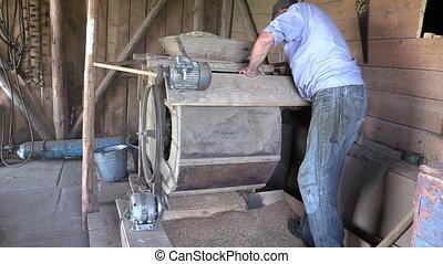 grain harp machinery barn