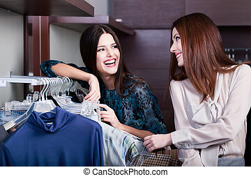 grand, achats, choix, amis, magasin, vêtements