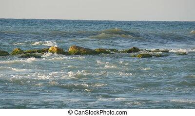 grand, brise-lames, mer orageuse, vagues, coupure, bulgarie, pierre, noir