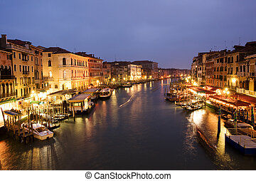 Grand canal at twilight - Night life along Venetian Grand...