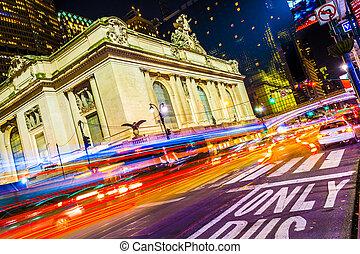 Grand Central Terminal facade from Park Avenue