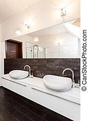 Grand design - double bathroom