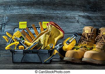 grand, ensemble, de, construction, outils, dans, peu, boîte outils, et, boots.