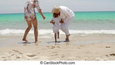 grand-mère, aimer, petit-enfant, elle, jouer