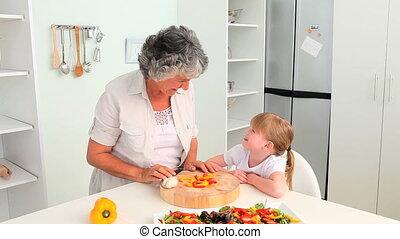 grand-mère, attentif, cuisine