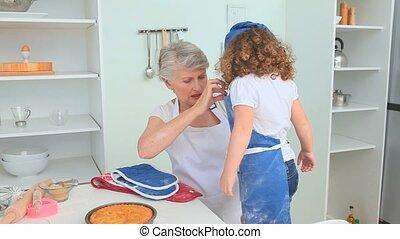grand-mère, cuit, après, fille, grandiose