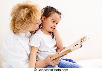 grand-mère, fille, lire, grandiose, livre
