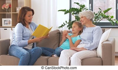 grand-mère, mère, livre, fille, lecture