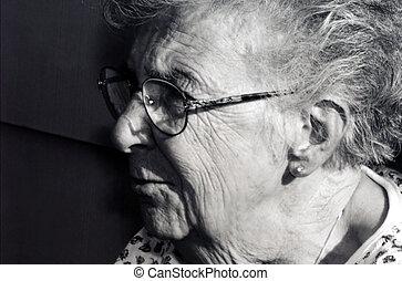 grand-mère, profil