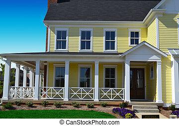 grand, maison, devant, jaune, porche