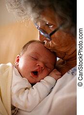 grand-maman, baisers, bébé