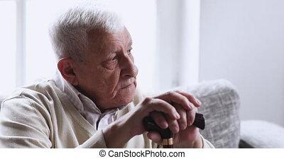 grand-père, soins, canne, personnes agées, handicapé, tenue...