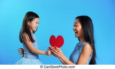 grand, peu, elle, donner, coeur, présent, maman, papier, ...