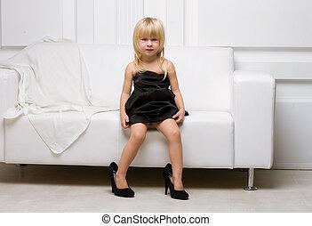 grand, peu, essayer, chaussures, girl