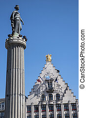 Grand Place in Lille - A view of the Column of the Goddess ...