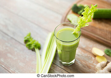 grand plan, de, frais, vert, jus, verre, et, céleri