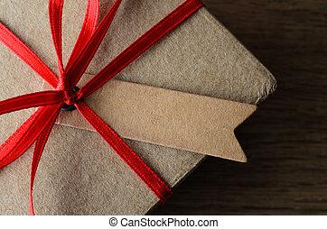 bo te brun cadeau simple raphia haut attach vert image de stock recherchez photos. Black Bedroom Furniture Sets. Home Design Ideas