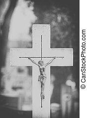 grand plan, sur, croix, de, jésus christ, sur, cemetery., noir blanc