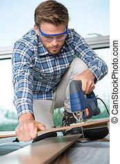 grand plan, travail, jeune, charpentier