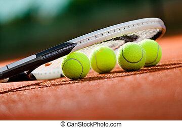 grand plan, vue, de, raquette tennis, et, balles