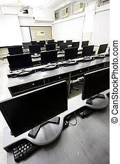 grand, salle ordinateurs, à, lcd, affichages