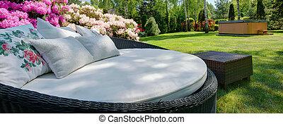 grand, sofa, jardin, coussins