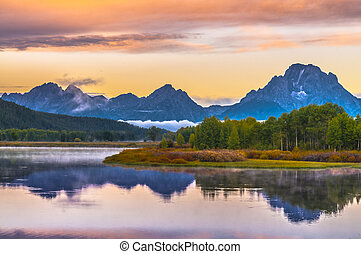 Sunrise in Grand Teton National Park - Oxbow Point