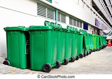 grand, vert, poubelles
