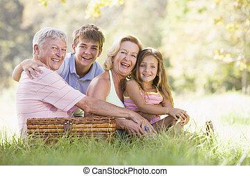grandchildren., picnic, teniendo, abuelos