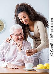 granddaughter, voksen, bedstefaderen