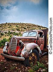 grande, caminhão velho, enferrujado, pickup