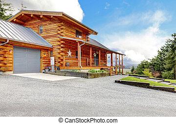 grande, capanna di tronchi, con, veranda, e, garage.