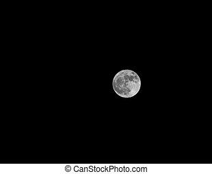 grande, cielo nero, luna bianca
