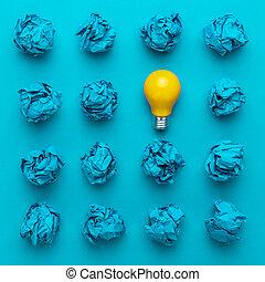 grande, concepto, oficina, luz, arrugado, idea, papel, bombilla