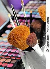 grande, conjunto, de, maquillaje, cepillos
