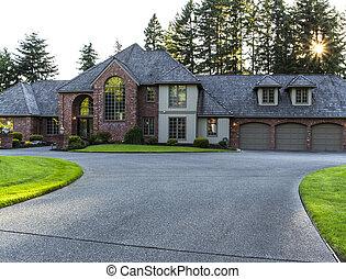 grande, hogar, entrada de coches