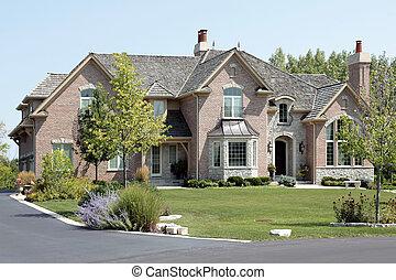 grande, ladrillo, hogar, con, arqueado, entrada