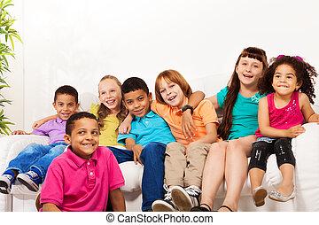 grande, lindo, niños, grupo, hogar