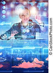 grande, mujer, datos, analista, trabajando