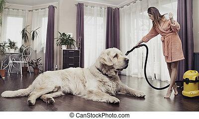grande, mulher da limpeza, cão, jovem